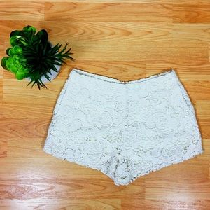 [Ark & Co] Cream Lace Shorts - EUC